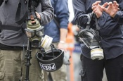 Как журналистам, освещающим COVID-19, избежать психической травмы