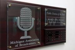 «Да, это не традиционная журналистика». Как радио Детройта взаимодействует со своими слушателями