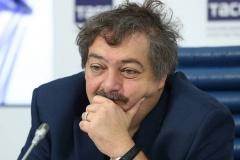 Писатель Дмитрий Быков: В Беларуси ужасная деградация на всех уровнях