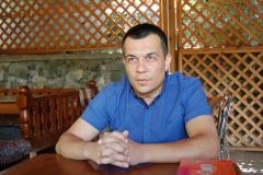 «Пытают людей током и бросают в тюрьму за посты в соцсетях». История из Крыма. Эмиль Курбединов