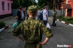 Рэчыцкая газета апублікавала імёны і адрасы хлопцаў, што бегаюць ад войска. Юрыст: «Гэта незаконна»