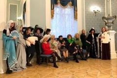 БелаПАН зладзіў для сваіх супрацоўніц фотасесію ў Купалаўскім тэатры