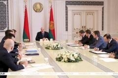 «Што ж такое лічбавізацыя, што гэта за цуд такі»: Лукашэнка правёў нараду па развіцці лічбавай сферы і стварэнні ўніверсітэта пры ПВТ