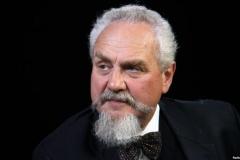 Алексиевич приглашает на встречу с российским историком и публицистом Андреем Зубовым