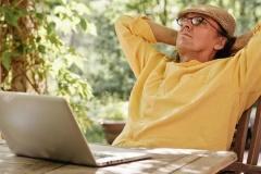 Пенсионеры осваивают интернет