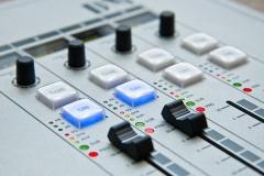 Диджея радио в Бобруйске уволили за «некрасивый» рейтинг городов? Узнали, что произошло