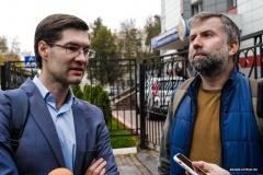 Задержанные в воскресенье журналисты снова посетили Октябрьское РУВД и рассказали подробности