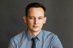Руководителя Академии Пресс-клуба освободили из СИЗО и выслали в Россию