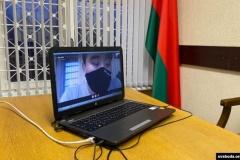 Журналіста Максіма Лаўрэцкага арыштавалі на 15 сутак. Міліцыянт сьведчыў зь «мяшком» на галаве
