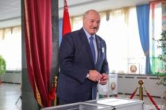 Лукашенко — TUT.BY: Вы что, хотите пытаться свергнуть власть, сломать что-то, уколоть, оскорбить?