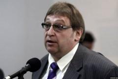 У КДБ заявілі, што затрымалі палітоляга Фядуту, які знік у Маскве. Затрыманы і лідар БНФ Кастусёў