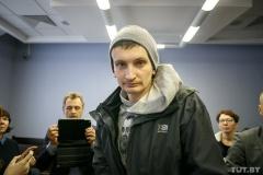 Избитого во время выборов журналиста Андрея Козела оштрафовали на 735 рублей