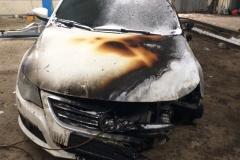 Невядомыя падпалілі машыну віцебскага відэаблогера, якую ён быў гатовы разыграць сярод падпісчыкаў