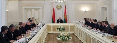 Как белорусское ТВ манипулирует новостями о COVID-19, оправдывая линию Лукашенко