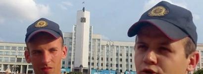 """Міліцыянты забаранілі сябру ГА """"БАЖ"""" здымаць каля ЦВК"""