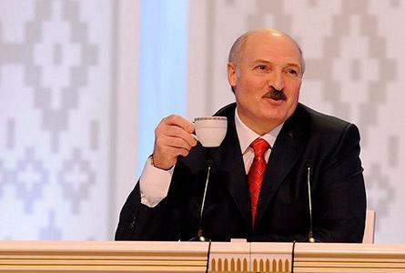 """Адчыняе Лукашэнка лядоўню, а там халадзец: """"Чаго трасешся, я па смятану прыйшоў!"""". Фалькларыстка Астапава — пра палітычны гумар беларусаў"""