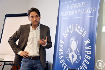 Виктор Мартинович: «Мы сегодня — это стадо баранов». Как новые медиа поработили людей + ВИДЕО