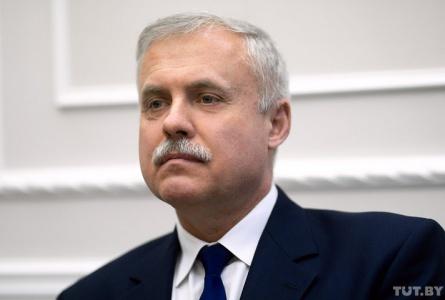 Госсекретарь Совбеза: Зачем чиновнику согласовывать с начальством появление в СМИ?