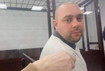 Журналист «Сильных новостей» Денис Якштас после 15 суток получил еще и 20 б.в. штрафа. Он на свободе