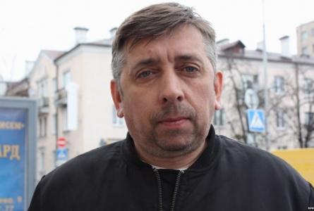 АМАП з аўтаматамі затрымаў брэсцкага блогера Пятрухіна, ідзе агляд кватэры